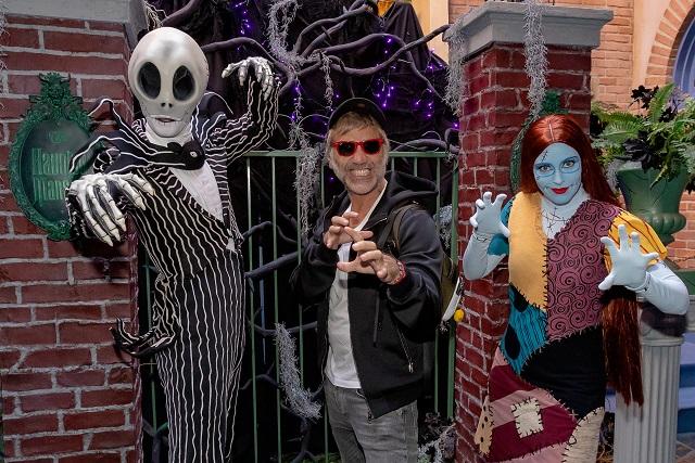 Fotos: Alejandro Fernández pasea con sus hijos en Disneyland Resort