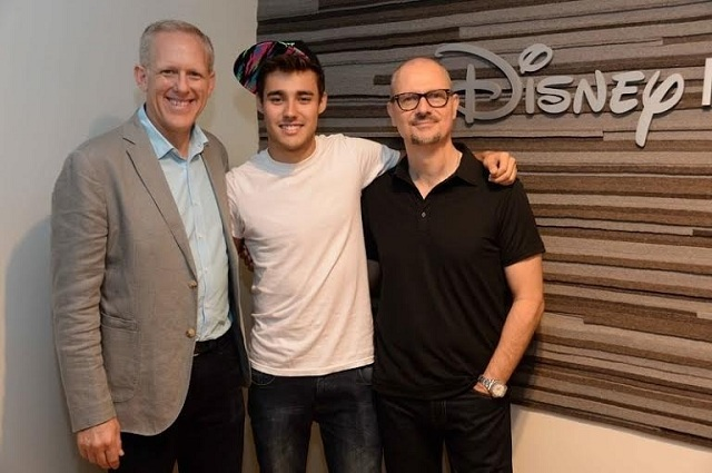 Hollywood Record firma con Jorge Blanco