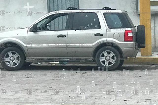 Hacen 170 disparos a camioneta y desaparecen al conductor, en Acatzingo