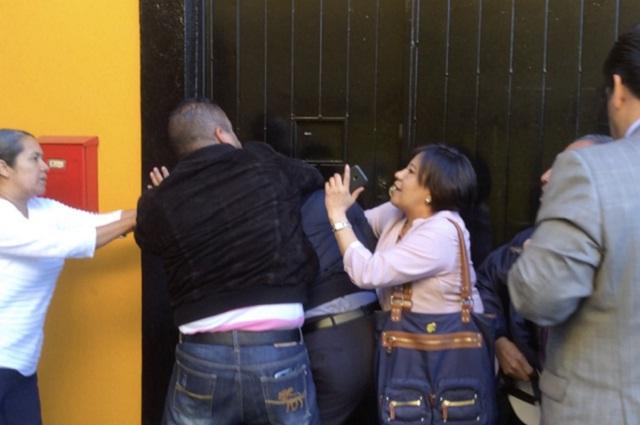 Video muestra violencia en disputa de directivos por el Colegio Ada