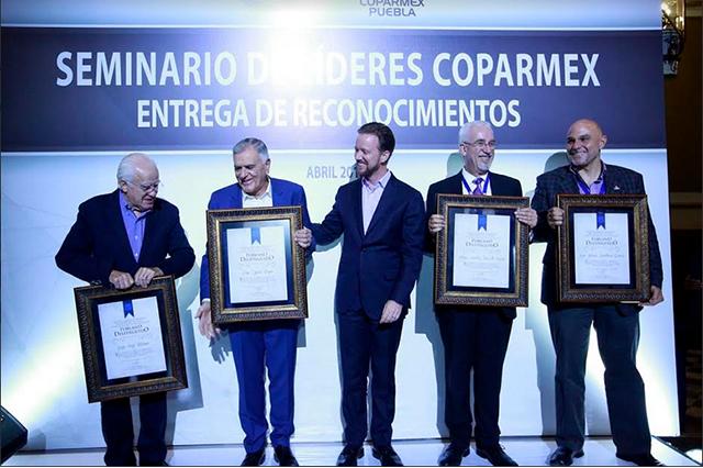 Banck reconoció a líderes Coparmex como poblanos distinguidos