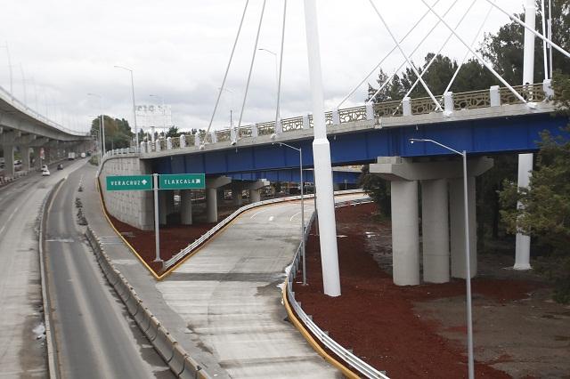 Inauguran distribuidor vial en el bulevar Esteban de Antuñano