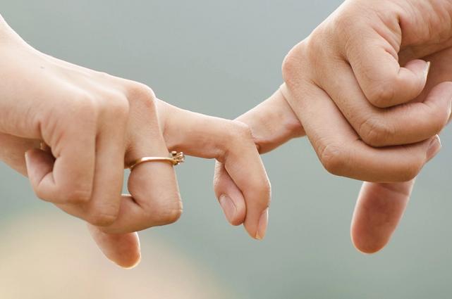 ¿Muere el amor?, vida en pareja en Puebla cae 4.3% en 10 años