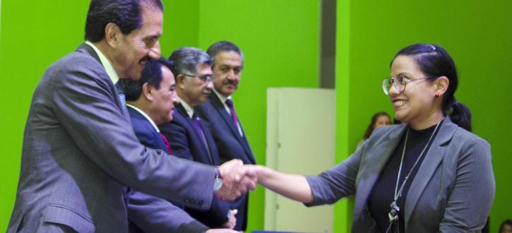 Rector de la BUAP entregó plazas de nueva creación a docentes