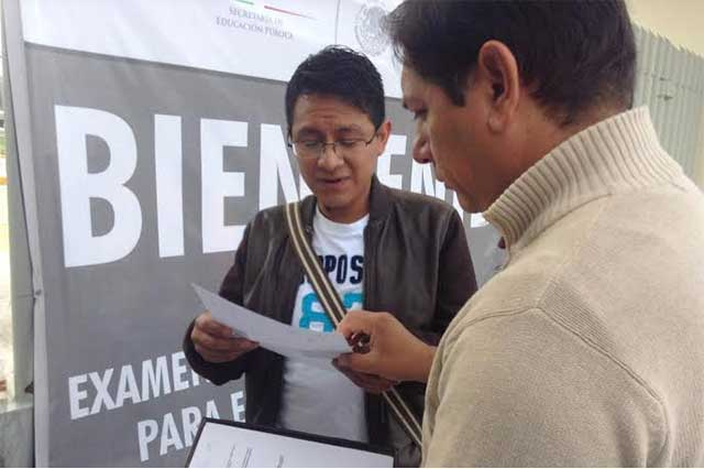 Responden docentes poblanos a examen de oposición para plazas: SEP