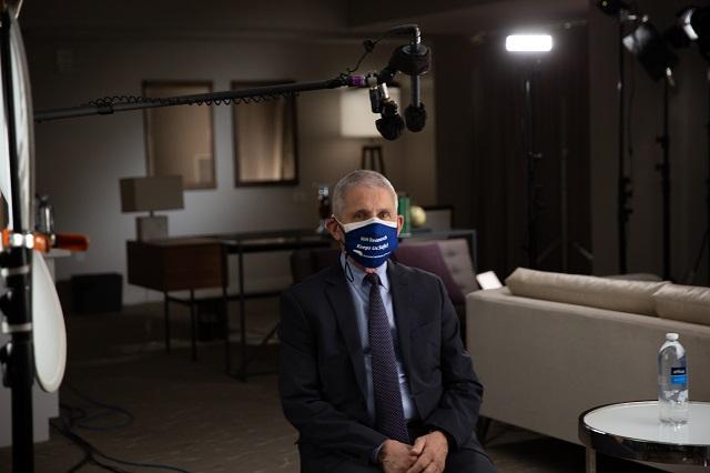 Realizan documental La vacuna: carrera contra el Covid