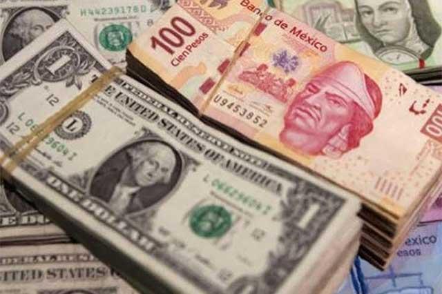 Abre el dólar la jornada cambiaria a la alza y se vende en 18.90 pesos