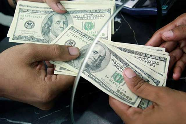 Abre el dólar la jornada cambiaria en 19.15 pesos