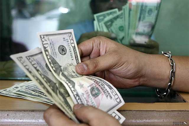 Abre el dólar a la baja y se vende en 21.75 pesos