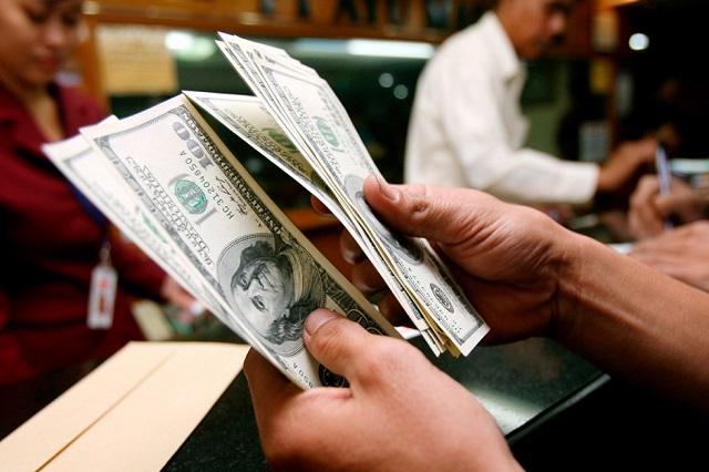 El dólar cierra la jornada cambiaria a la baja y se vende en 18.50 pesos