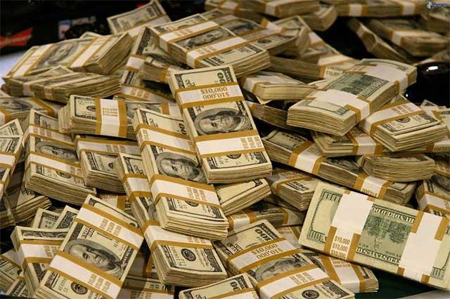 El dólar se vende en 19.08 en ventanilla de bancos de la CDMX