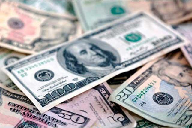 Dólar cierra este lunes en 18.95 pesos a la venta