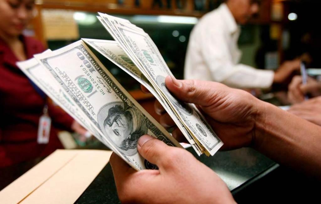 El dólar se vende en 18 pesos en la CDMX tras despido de Stephen Bannon