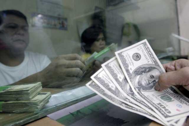 El peso recupera 7 centavos y el dólar se vende hasta en 19.24