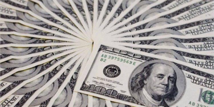 Precio del dólar alcanza los 19.65 pesos