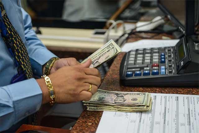 El dólar se vende en promedio en 19.55 pesos en la CDMX