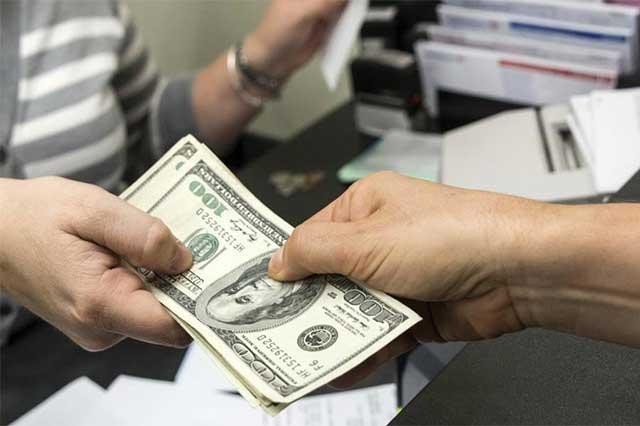 Abre el dólar la jornada cambiaria en 21.66 pesos