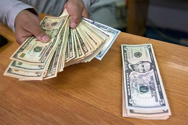 El dólar se vende en promedio en 18.57 pesos en la CDMX