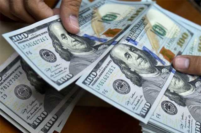 Aumenta el precio del dólar y se vende en bancos hasta en 19.30 pesos
