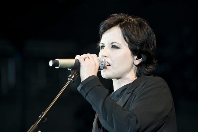 9 canciones inolvidables de Dolores O'Riordan, vocalista de The Cranberries