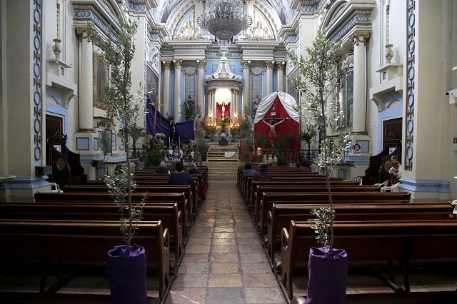 Iglesias no abrirán mientras siga semáforo Covid en rojo: arzobispo