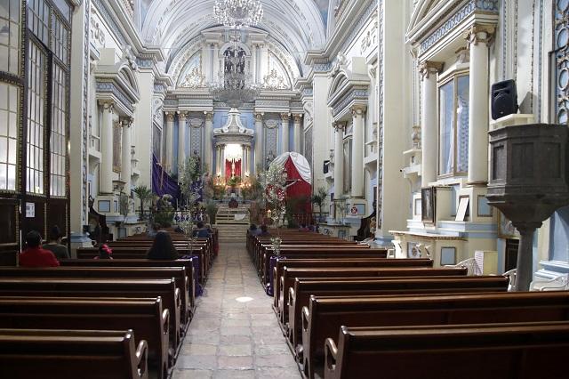 Alistan reapertura de iglesias en Puebla con misas al aire libre