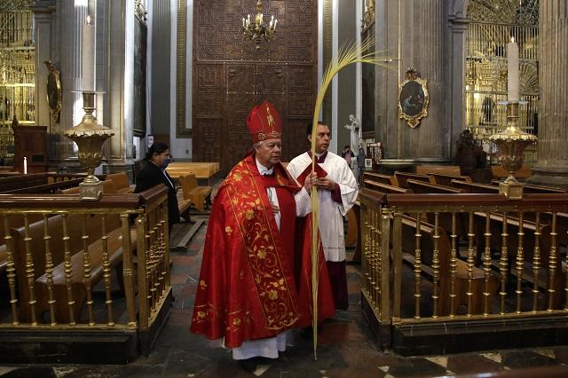 Con catedral vacía celebran Domingo de ramos en Puebla