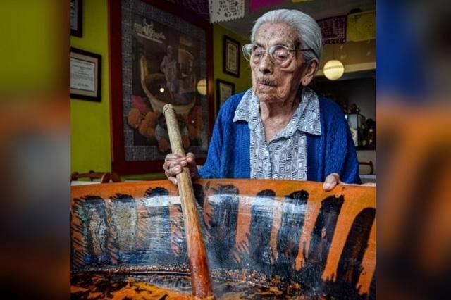 Muere doña Lupita, favorita del mole de caderas en Tehuacán