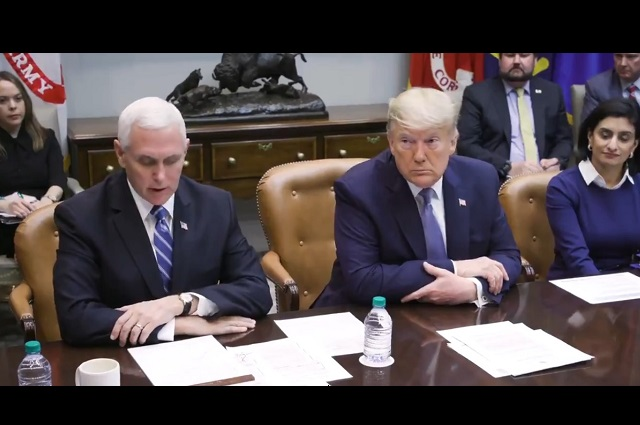 Donald Trump acepta que se hará la prueba del coronavirus