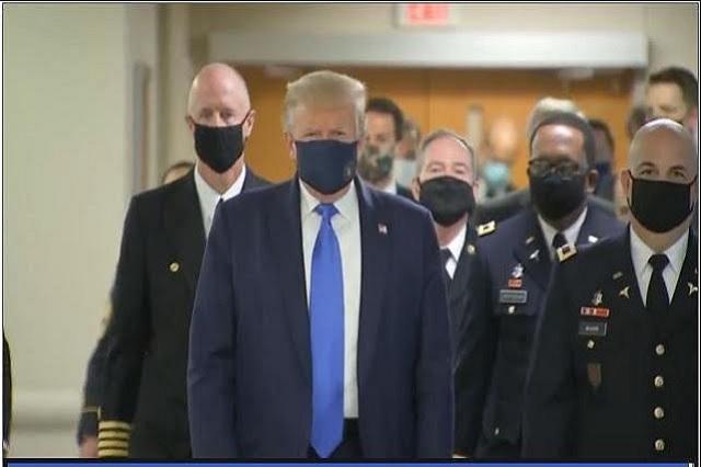Captan a Donald Trump usando cubrebocas, ¿por qué se había negado a usarlo?