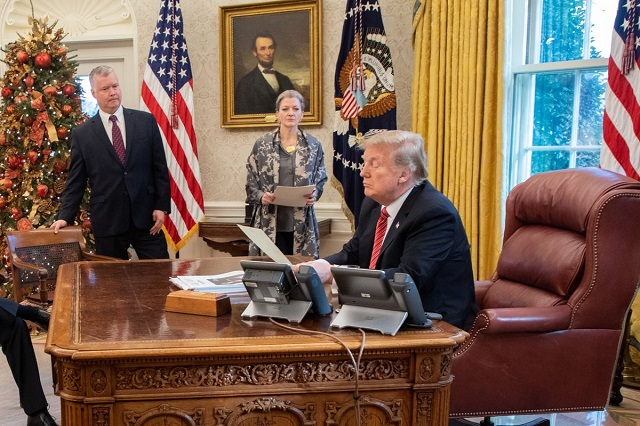Trump predice que demócratas no aprobarán el T-MEC