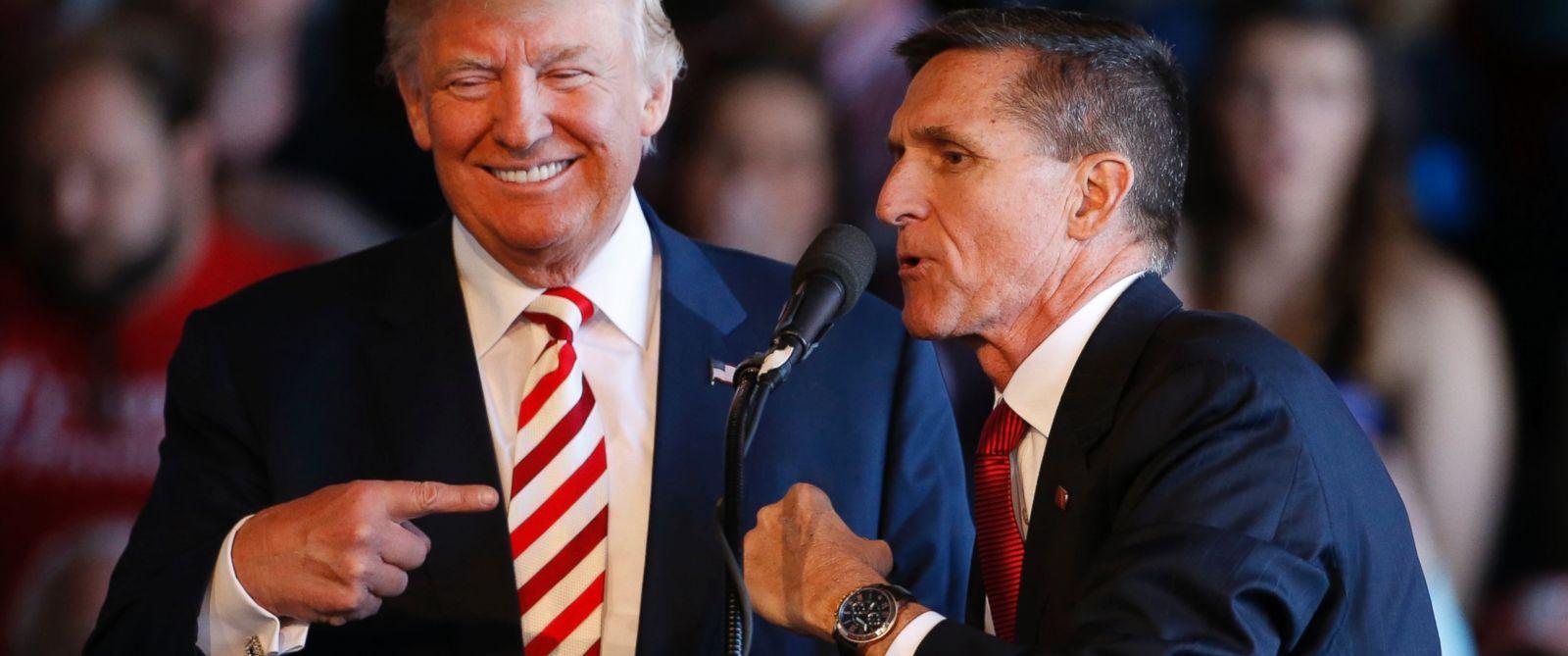 Vocero revela que Trump le pidió la renuncia a Michael Flynn