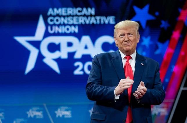 Facebook retira anuncio de campaña de Donald Trump por ser símbolo nazi