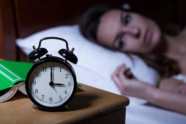 6 errores comunes antes de dormir y que pueden provocar insomnio