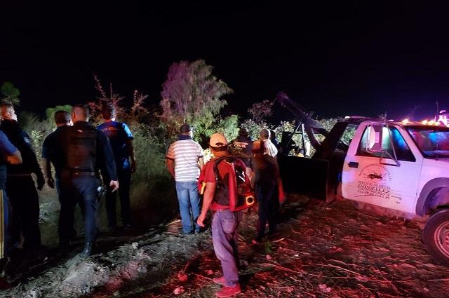 Rescatan a uno de dos cuerpos caídos en El Sifón de Tecali