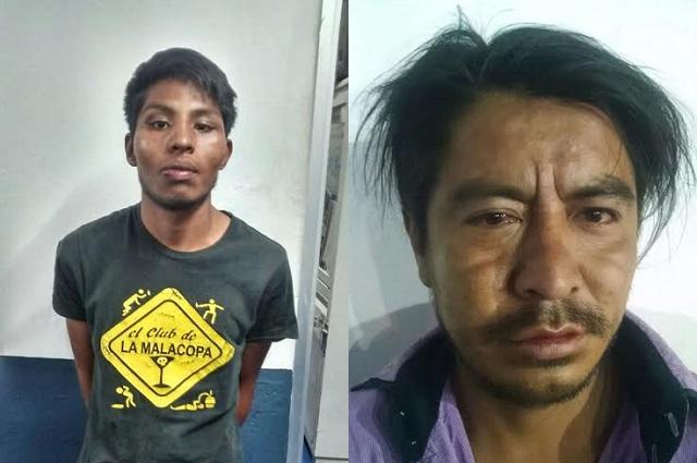 Aseguran a 2 presuntos narcomenudistas en posesión de 28 dosis de droga