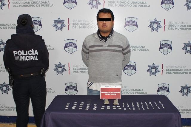Asegura Policía Municipal de Puebla más de 80 dosis de droga