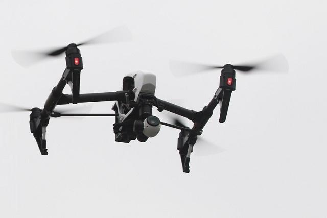 Usan mil 500 drones para formar código QR gigantesco