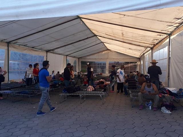 Enfermos y cansados llegan a Puebla otros mil 500 migrantes