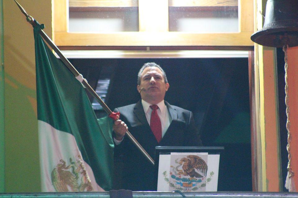 Festejan independencia de México en Tlatlauquitepec