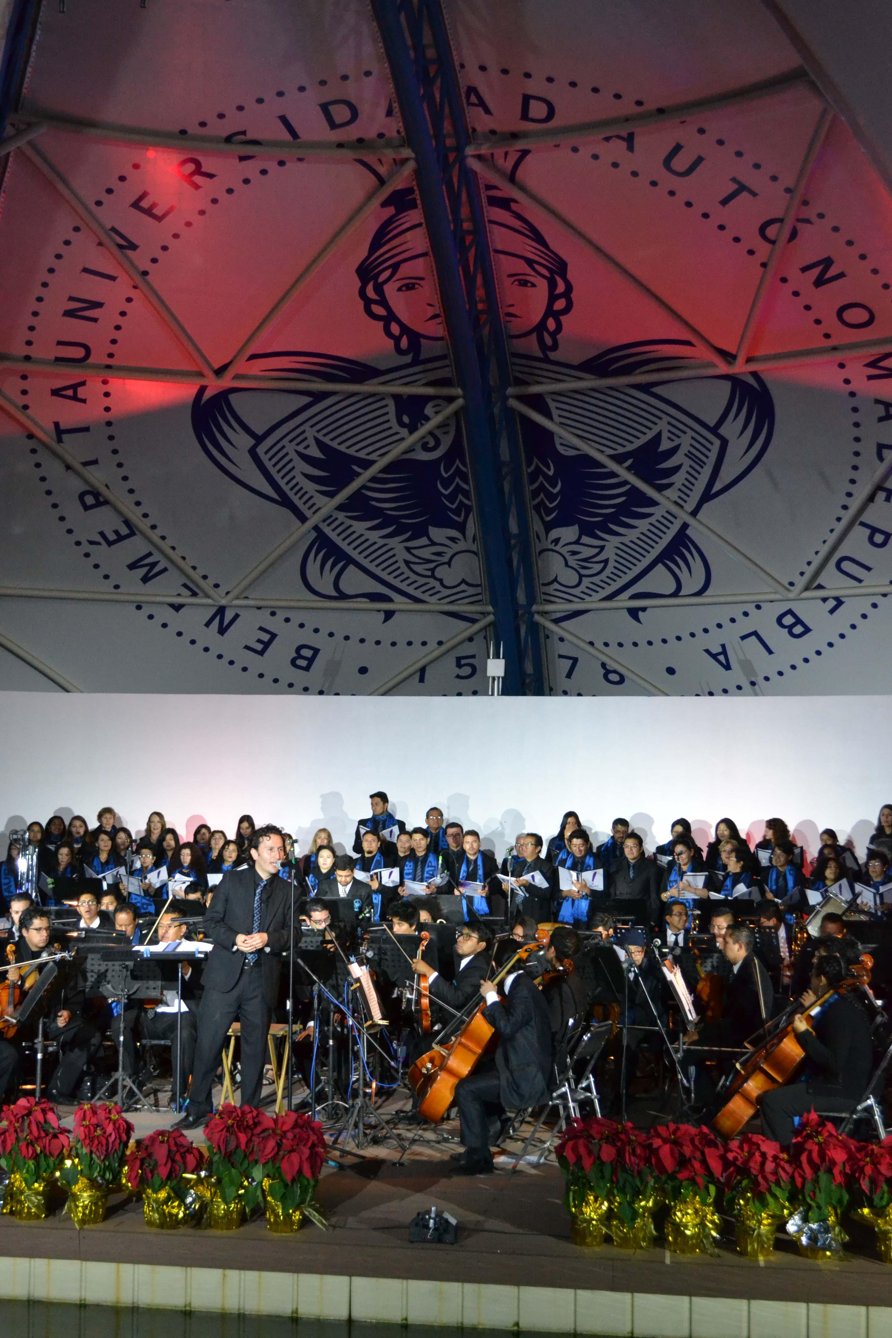 Presentan concierto navideño en Concha Flotante de la BUAP