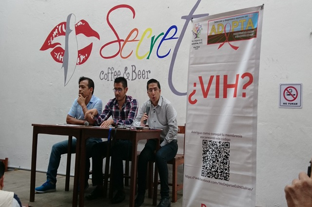 Sin apoyo gubernamental, casos de VIH se disparan en Puebla: ONG