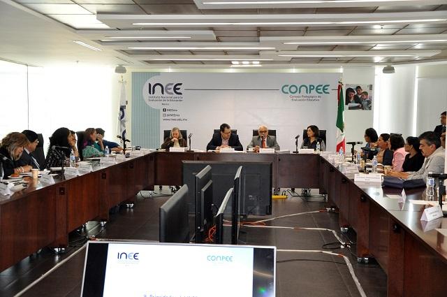 INEE: evaluación es esencial en la profesionalización del maestro