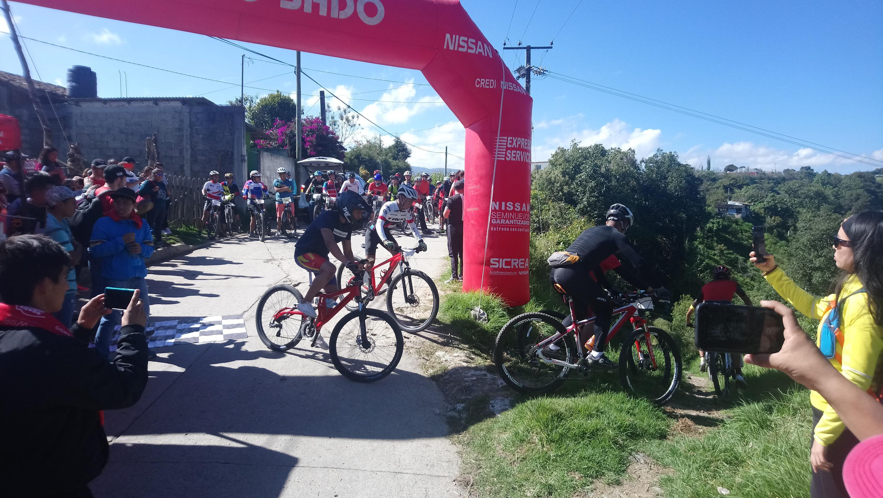 Fomentan ciclismo de montaña en Tlatlauquitepec