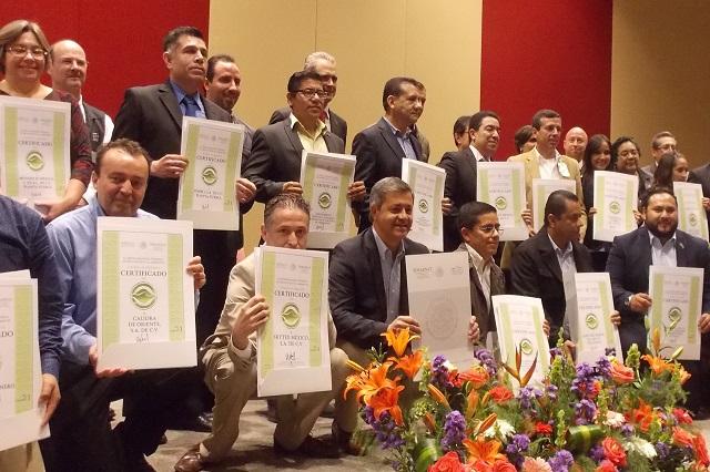 Granjas Carroll recibe 3 certificados de Industria Limpia, de PROFEPA