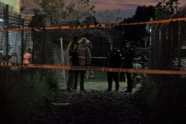 Hallan 3 cadáveres embolsados en bodega huachicolera de Tepeaca