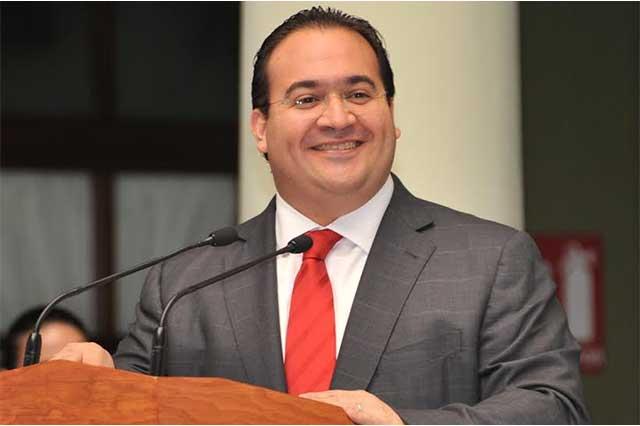 Liberan bajo fianza a 3 ex funcionarios ligados al gobernador Javier Duarte