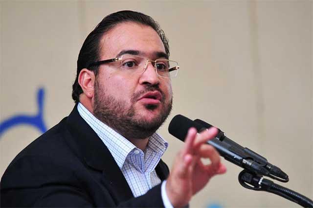 Javier Duarte seguirá prófugo y no se entregará como Padrés, adelanta su abogado