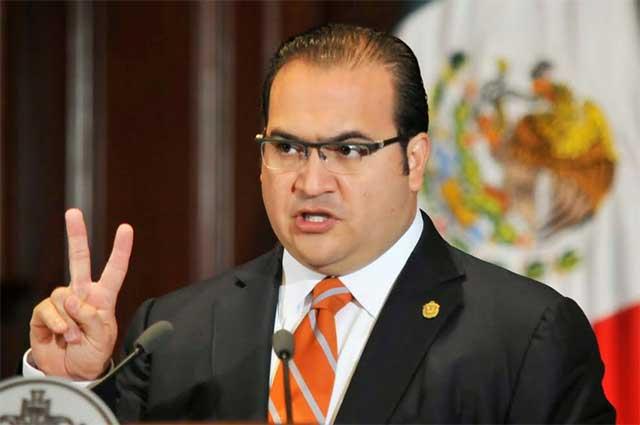 Yunes denuncia penalmente a Duarte por quimioterapias falsas