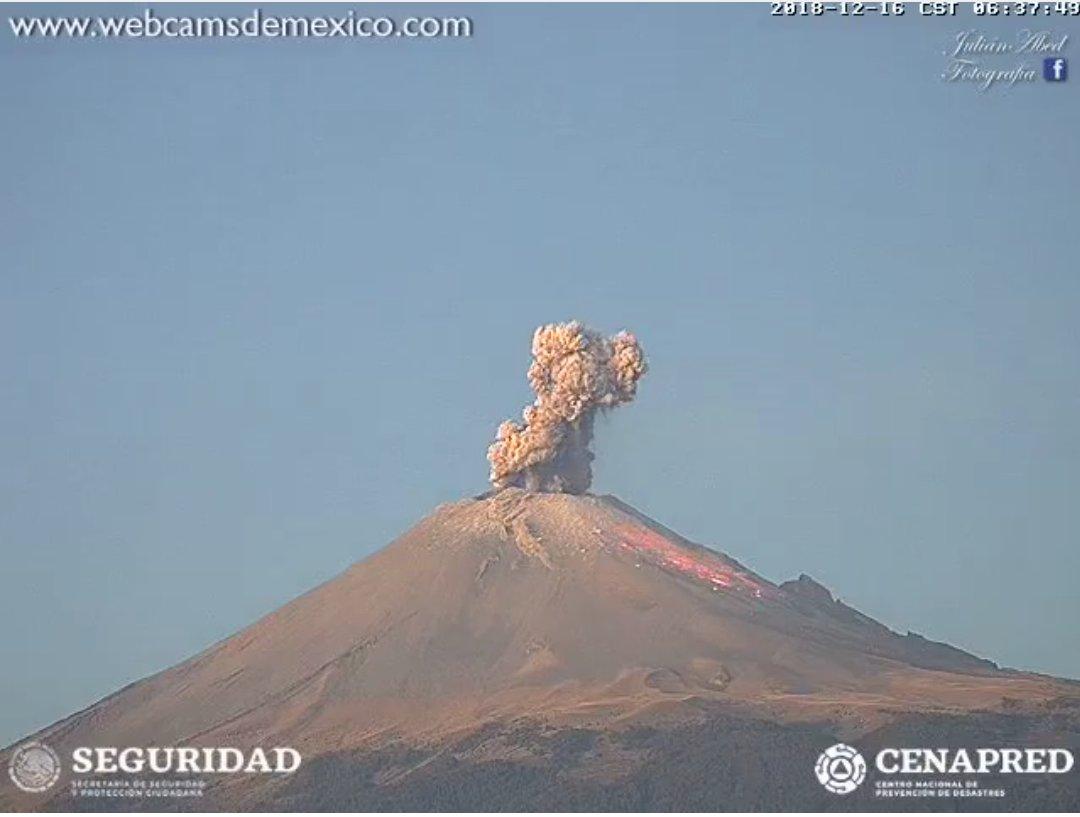 Cae ceniza del Popo en Puebla y prevén más actividad este lunes